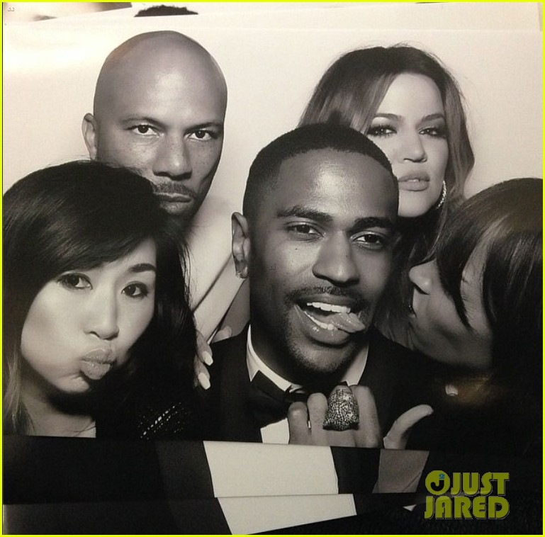 kim kardashian kanye west wedding photo booth 113121828