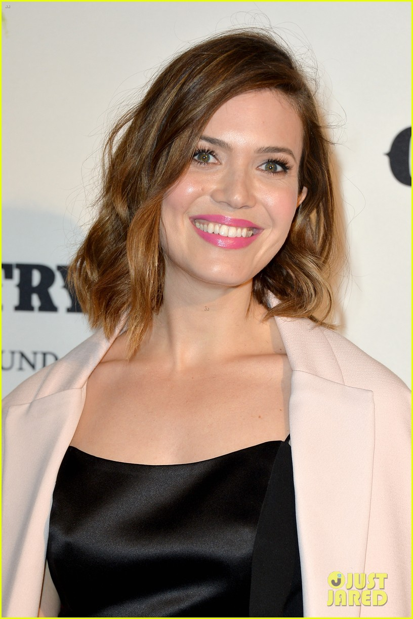 jaime king mandy moore annenberg space for photography country exhibit 083120377