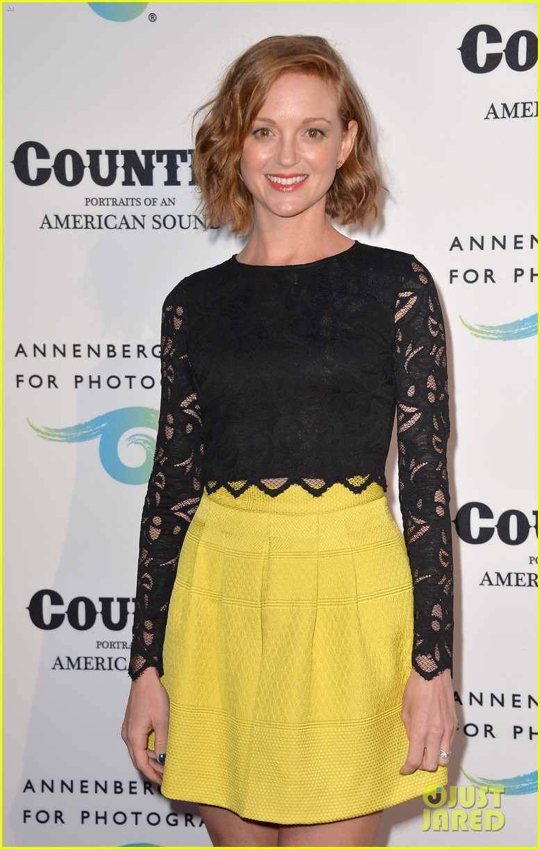 jaime king mandy moore annenberg space for photography country exhibit 123120381