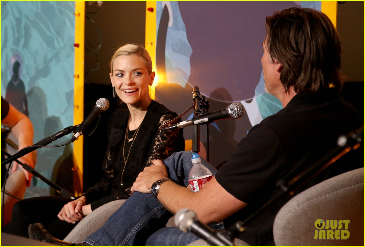 jaime king kyle newman team up humans from earth podcast 103104951