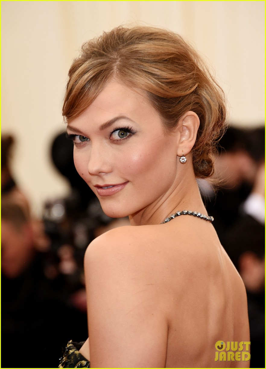 karlie kloss is gold lame gorgeous at met ball 2014 043106294