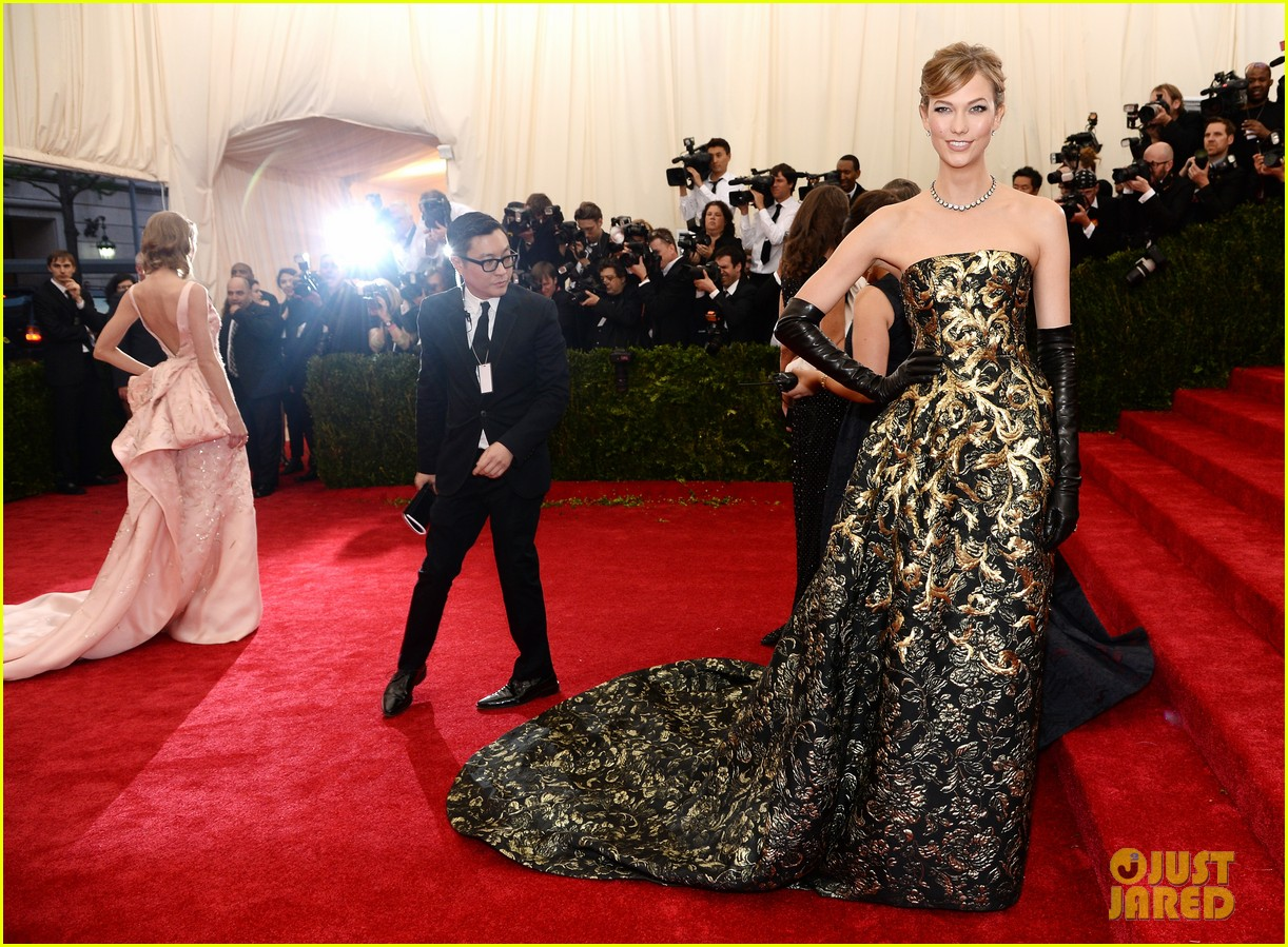 karlie kloss is gold lame gorgeous at met ball 2014 093106299