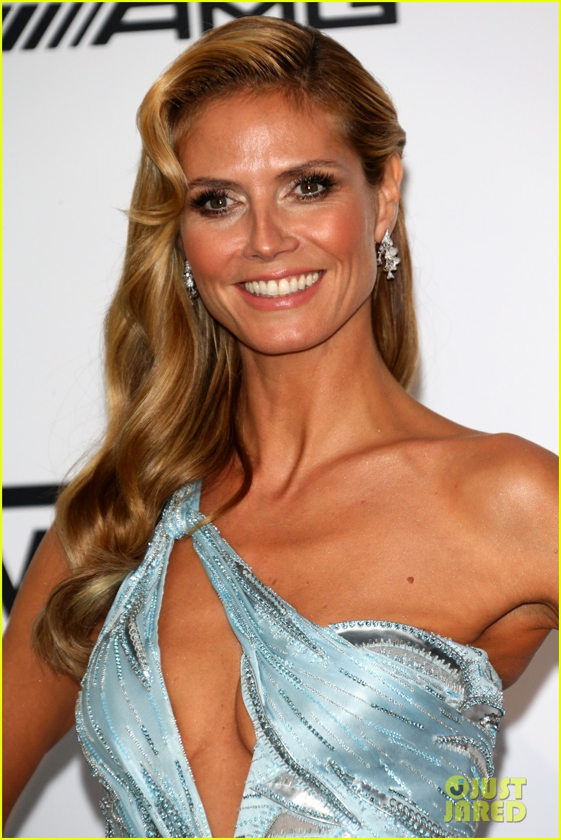 heidi klum rocks high slit dress at cannes amfar gala 2014 033120024