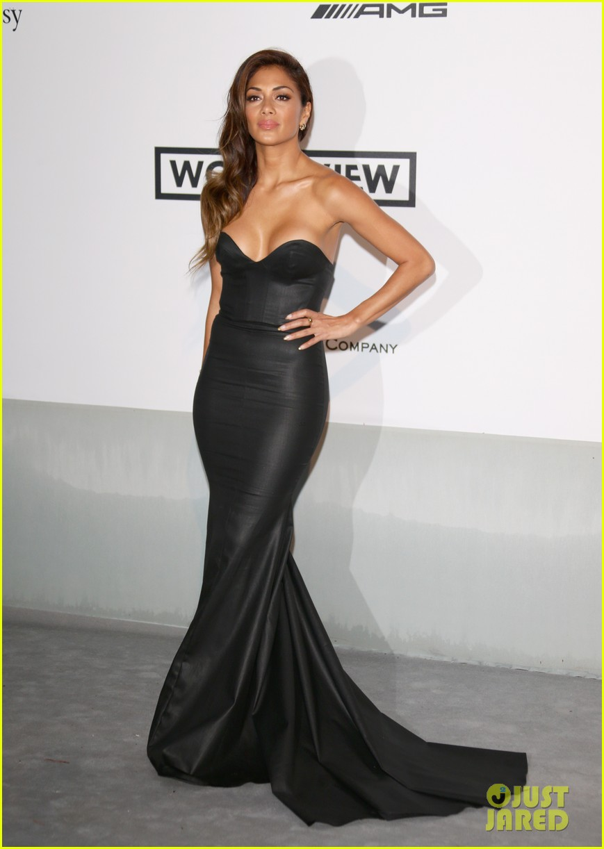 heidi klum rocks high slit dress at cannes amfar gala 2014 083120029