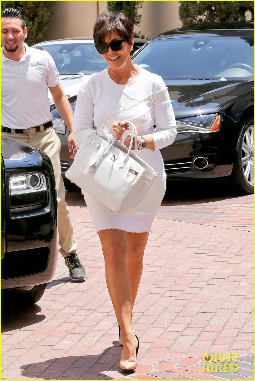 kourtney kardashian kris jenner attend kims bridal shower 273110271