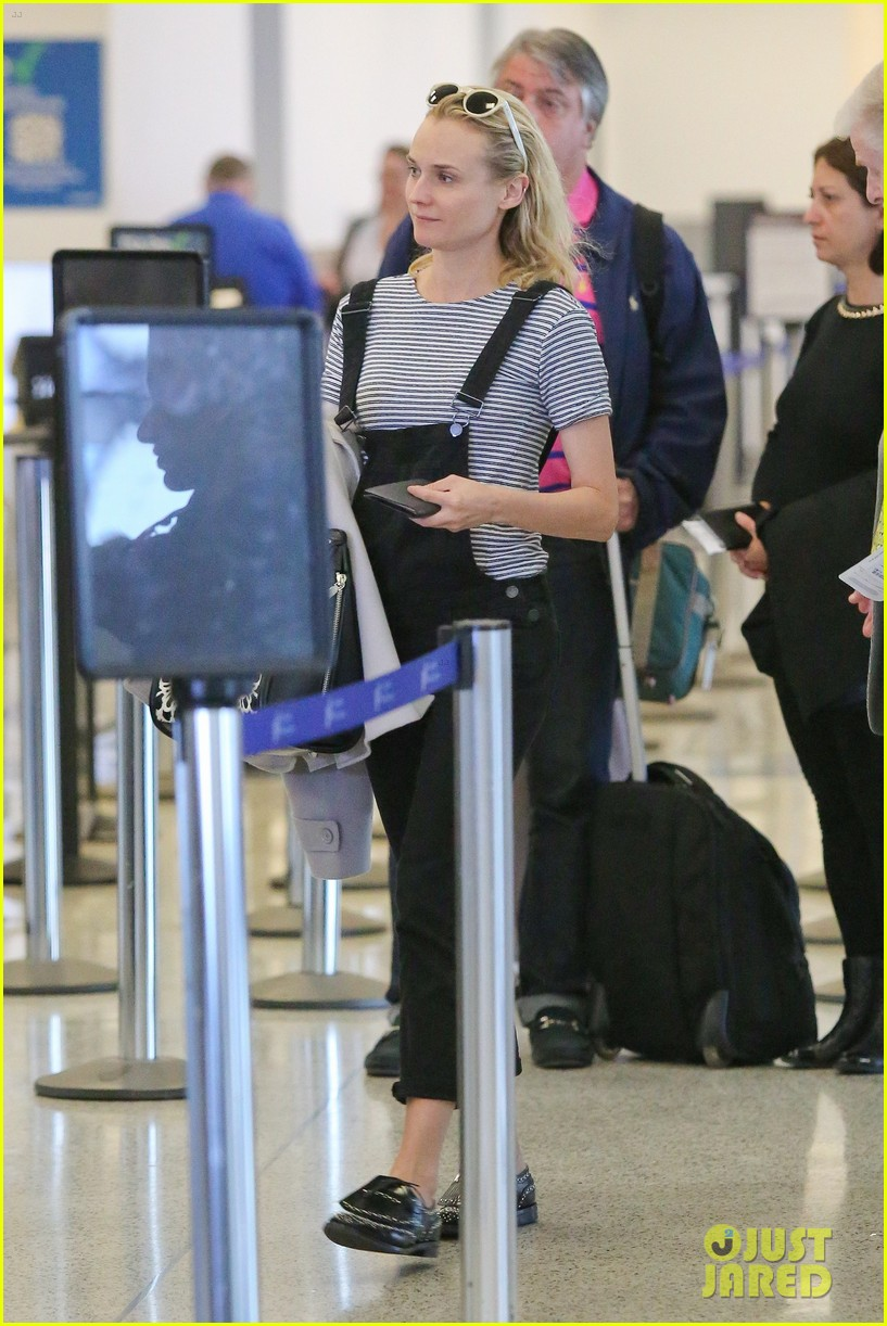 diane kruger joshua jackson take flight at lax 023103183