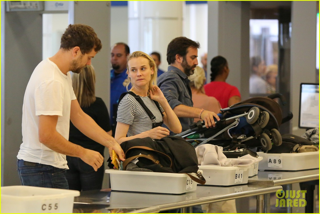 diane kruger joshua jackson take flight at lax 083103189