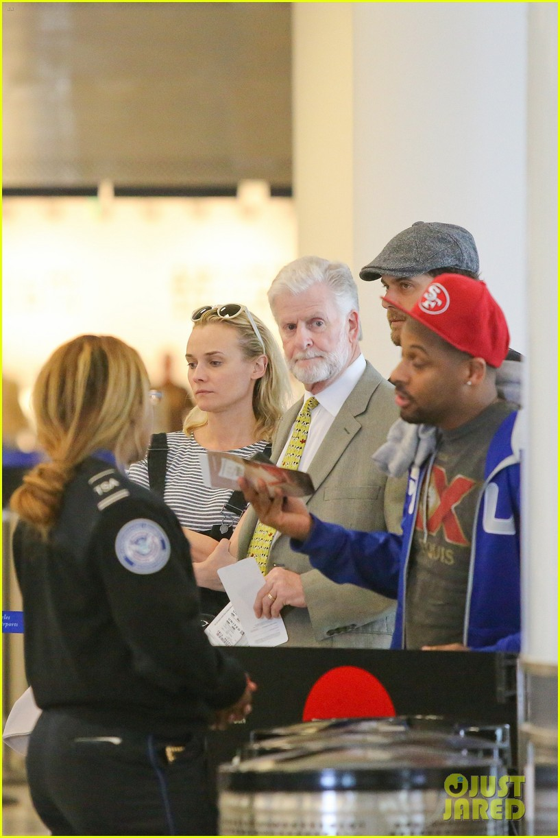 diane kruger joshua jackson take flight at lax 093103190