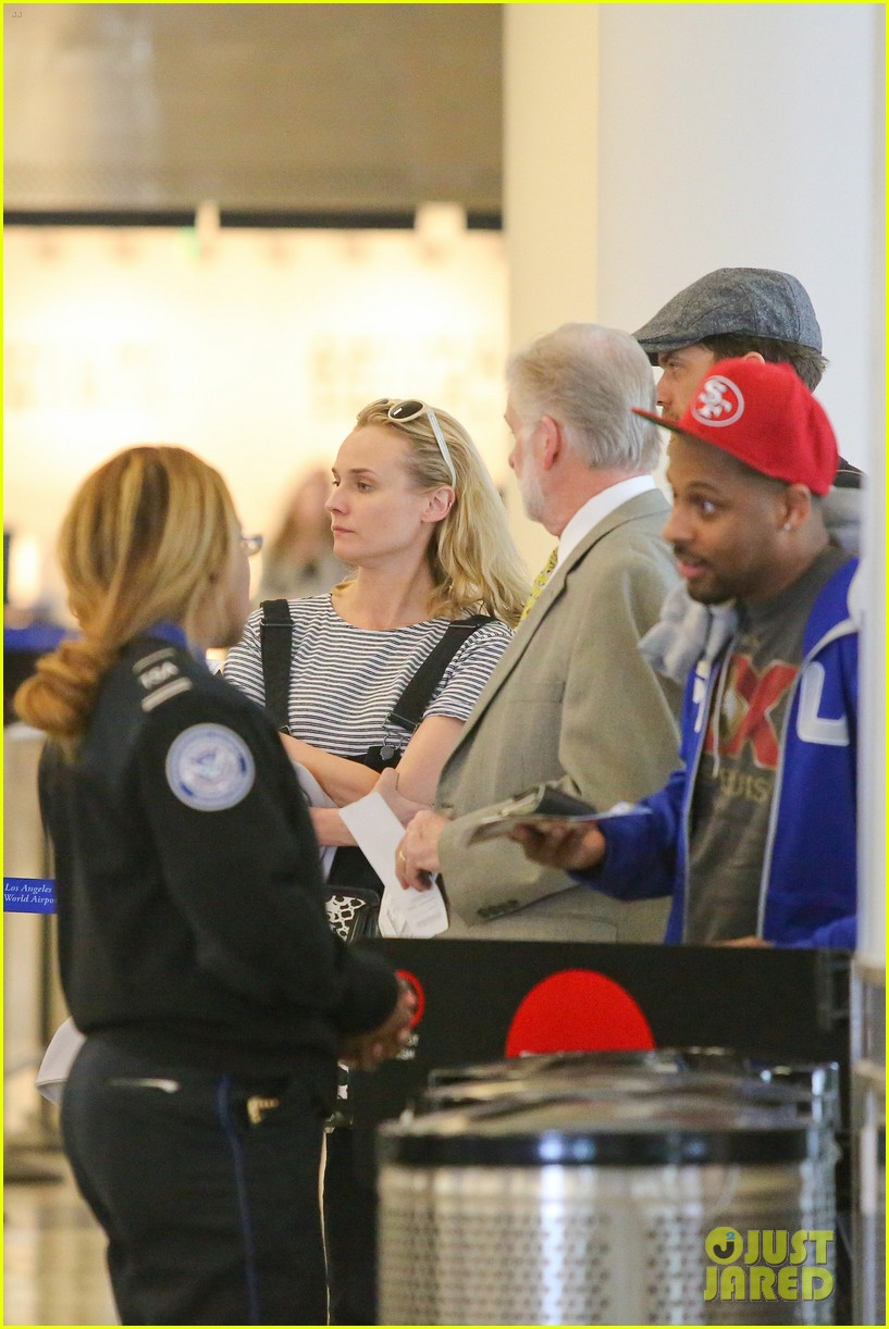 diane kruger joshua jackson take flight at lax 113103192