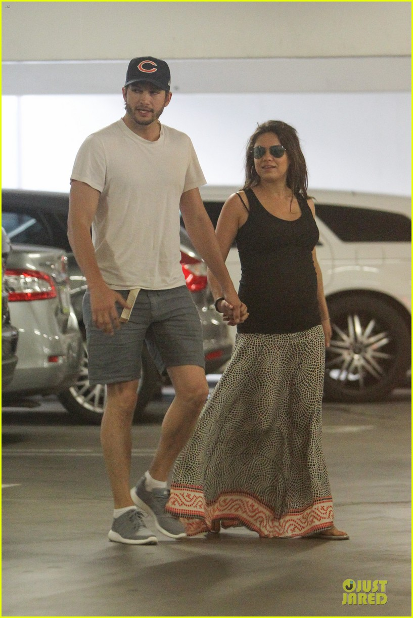 mila kunis ashton kutcher wine tasting party 223117051