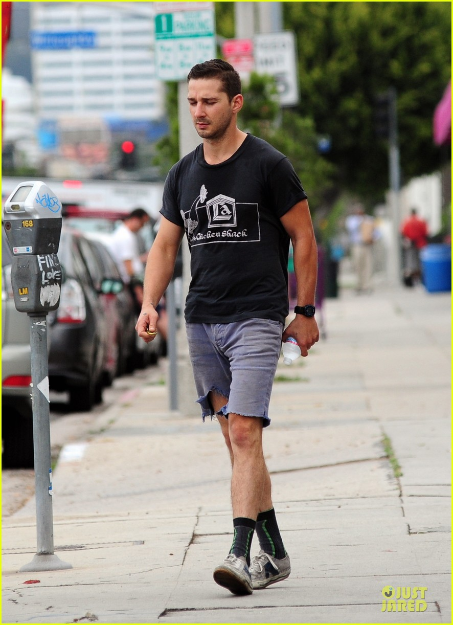 shia labeouf fried chicken chicken shack 083120153