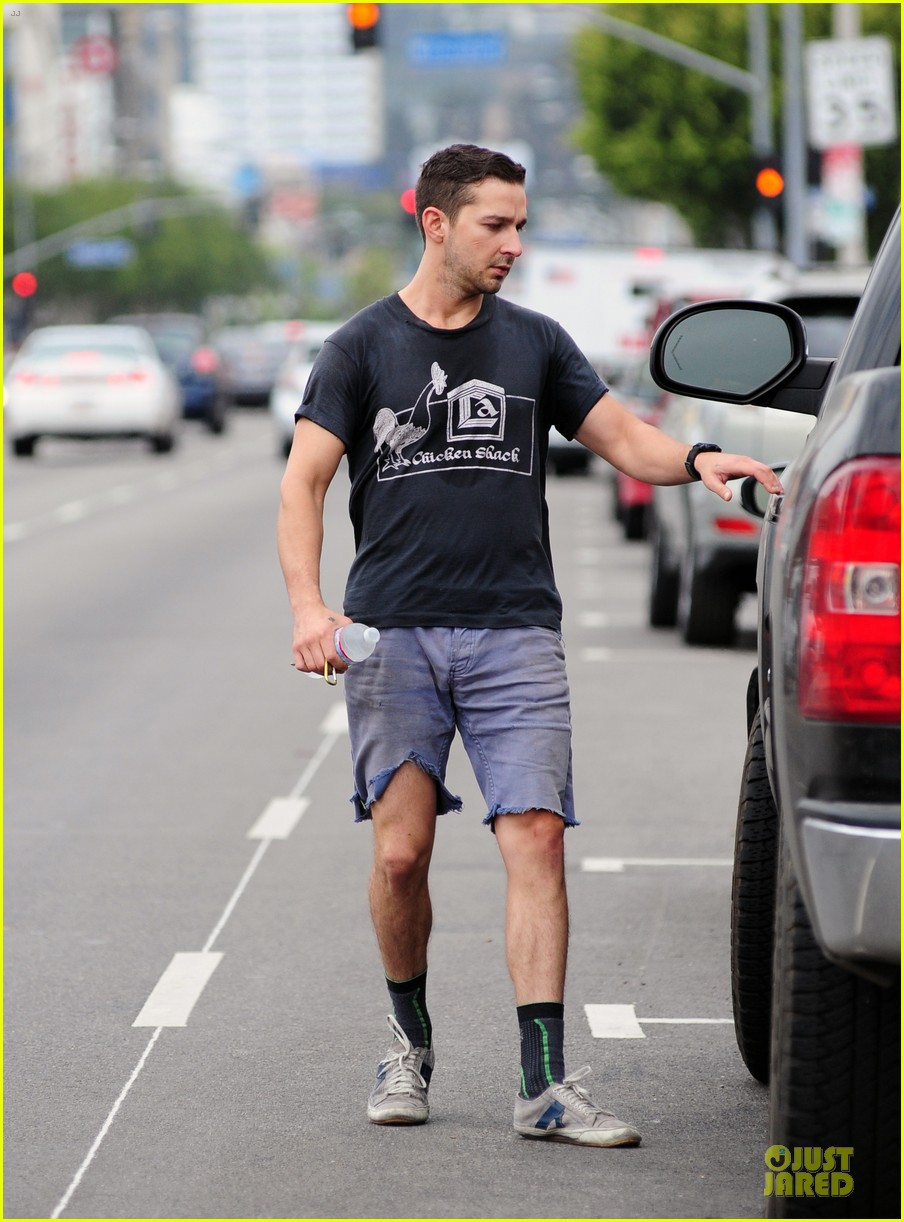 shia labeouf fried chicken chicken shack 093120154
