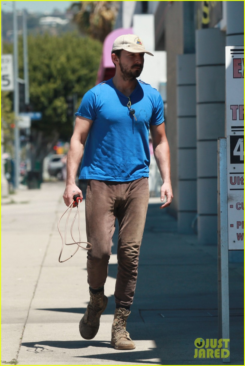 shia labeouf sure is dedicated to the gym these days 013104370