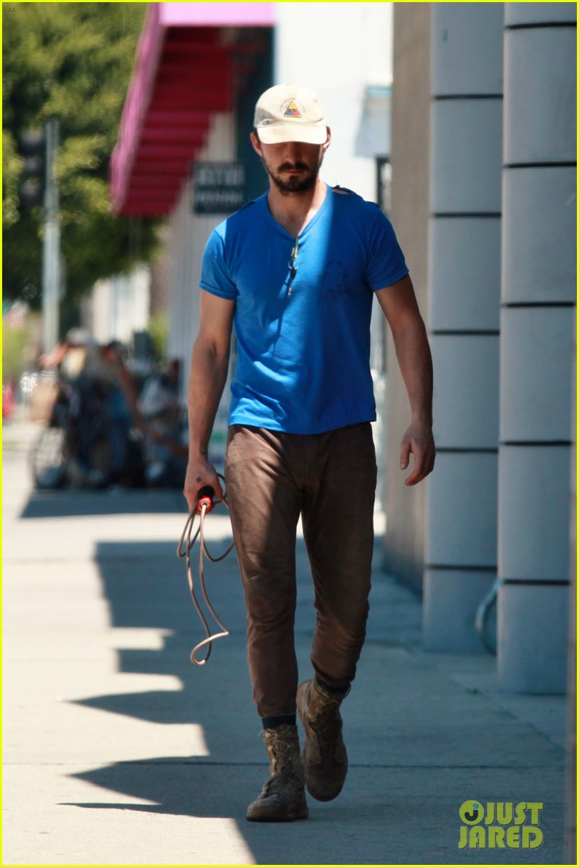 shia labeouf sure is dedicated to the gym these days 093104378