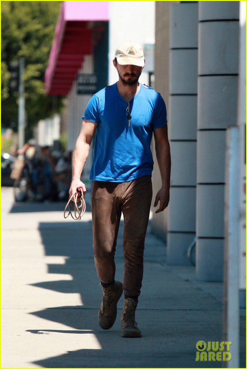 shia labeouf sure is dedicated to the gym these days 113104380