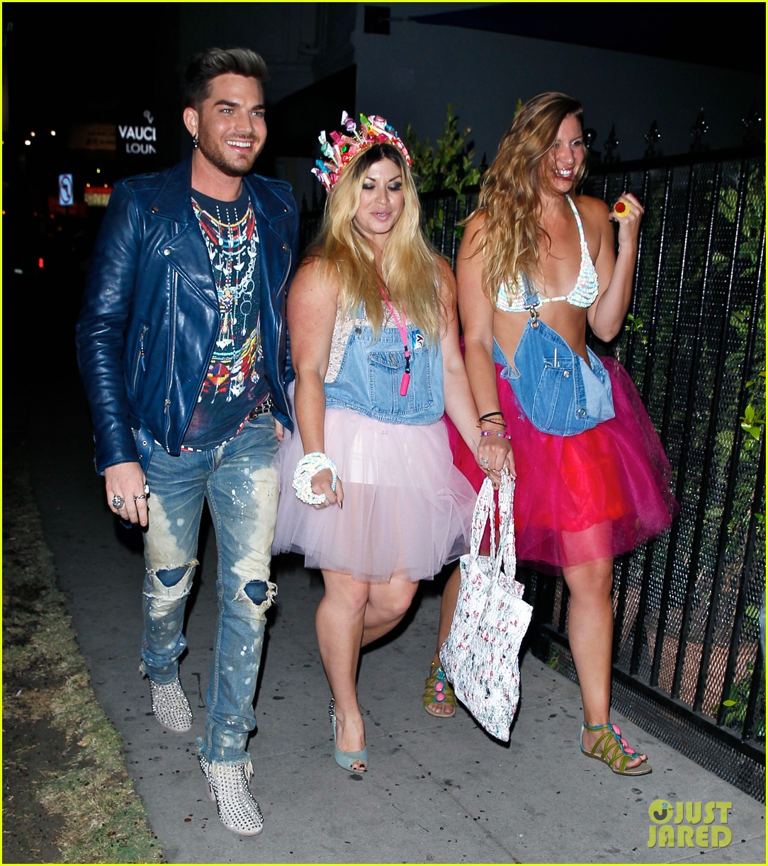adam lambert looks like hes having a really fun night with friends 03