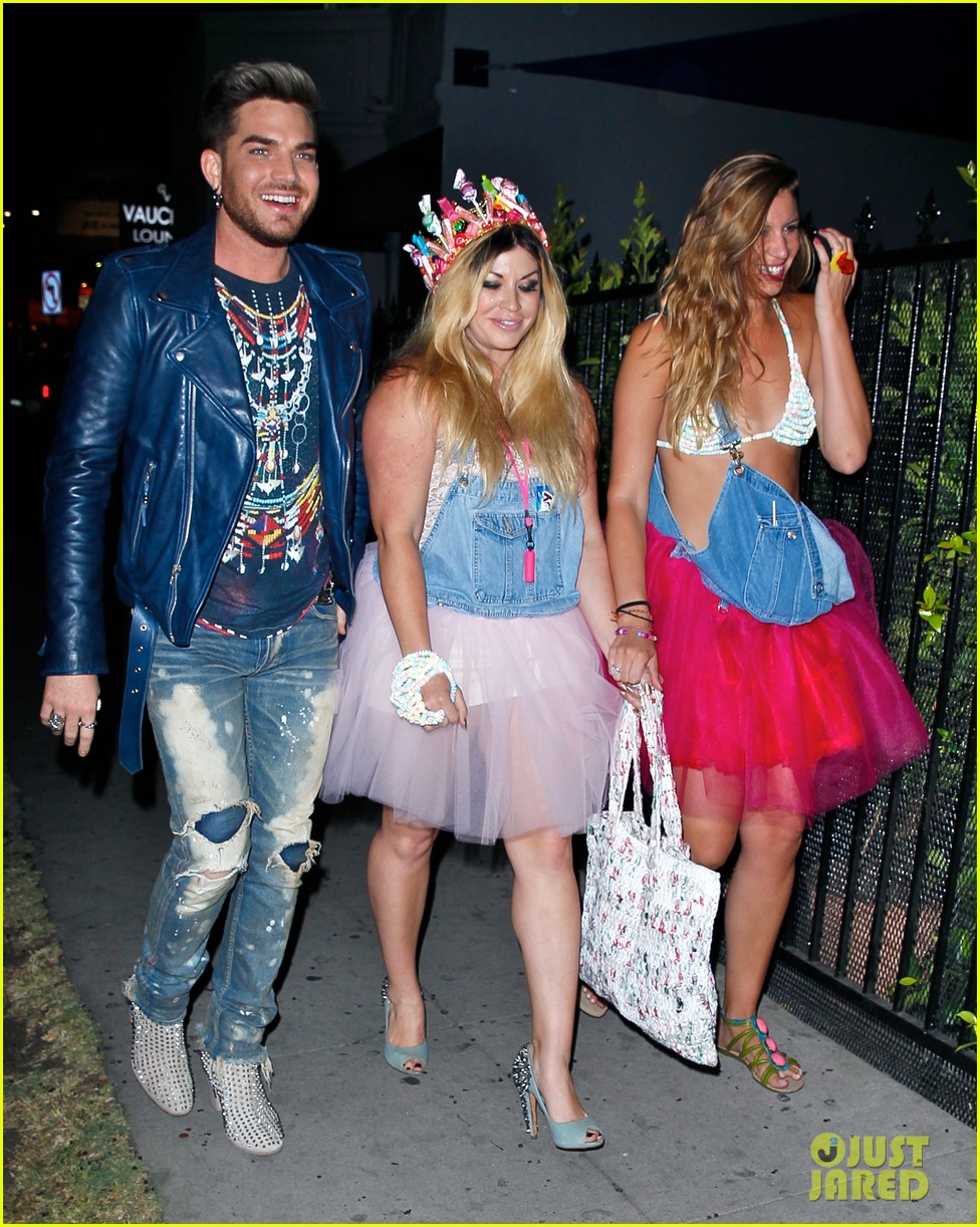 adam lambert looks like hes having a really fun night with friends 05