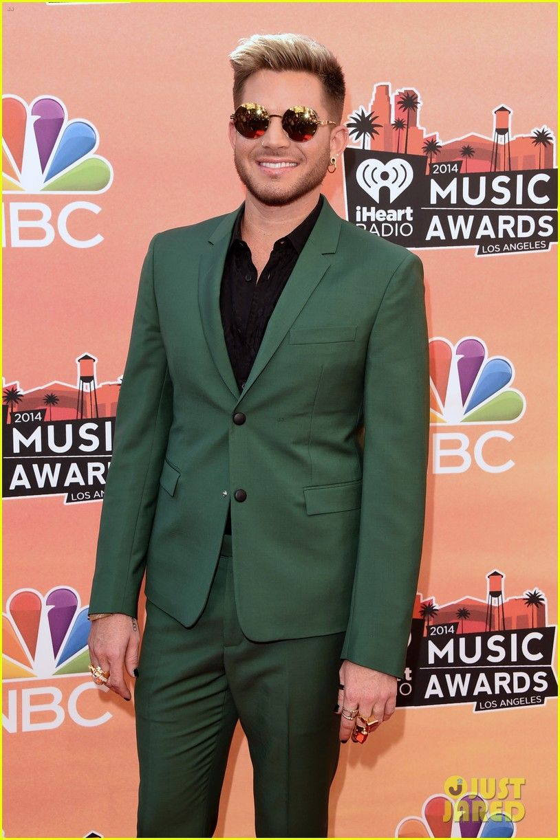 adam lambert iheartradio music awards 2014 053103330