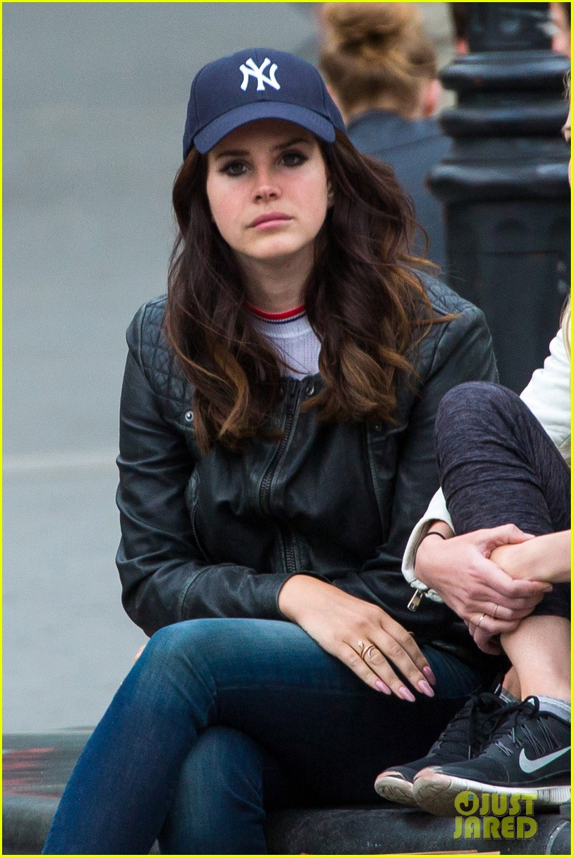 lana del rey eccentric true artist says black keys band member 05