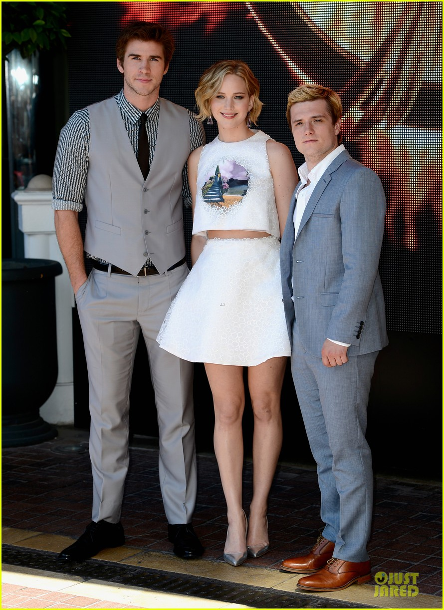jennifer lawrence midriff mockingjay part 1 cannes photo call 053115486