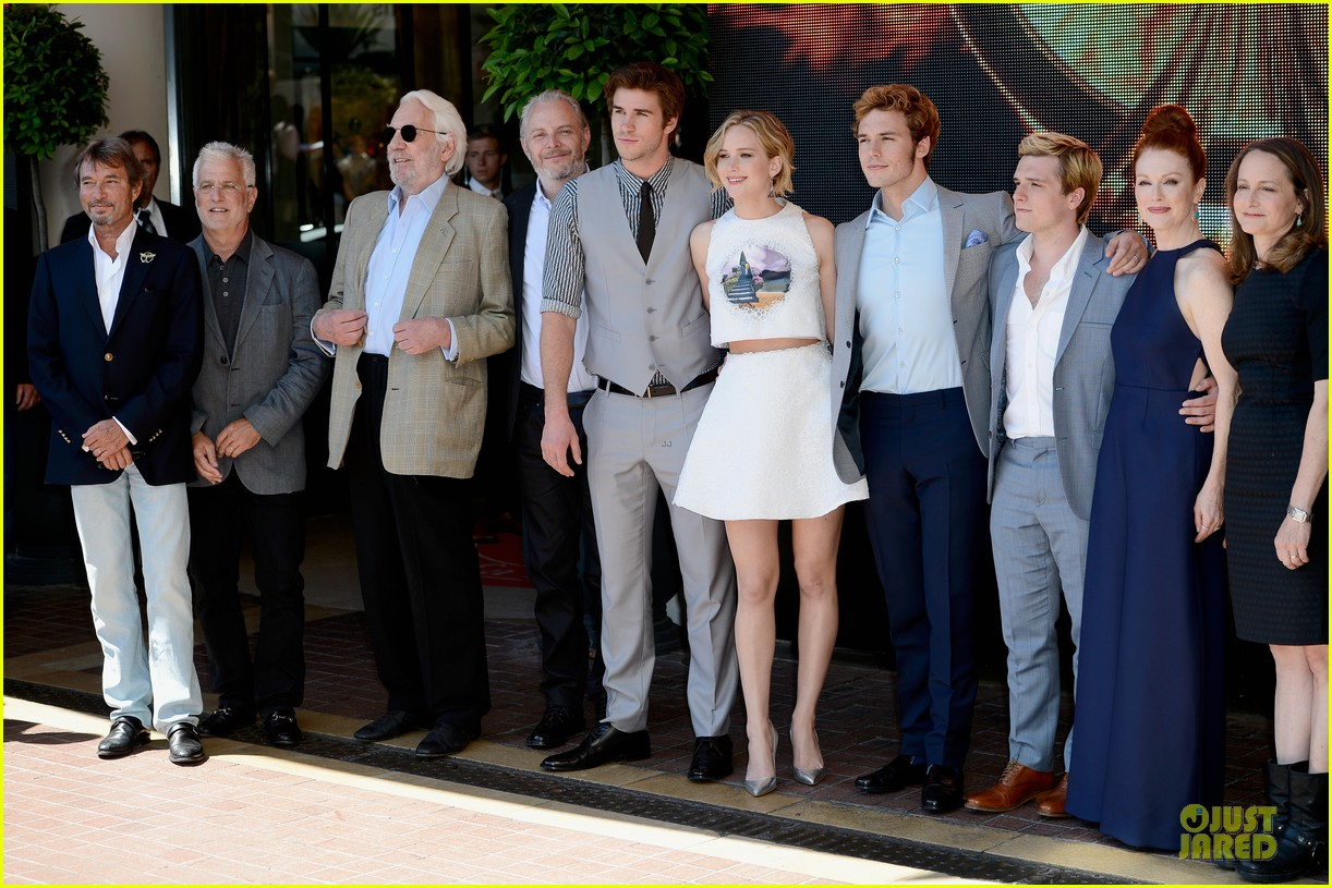 jennifer lawrence midriff mockingjay part 1 cannes photo call 103115491