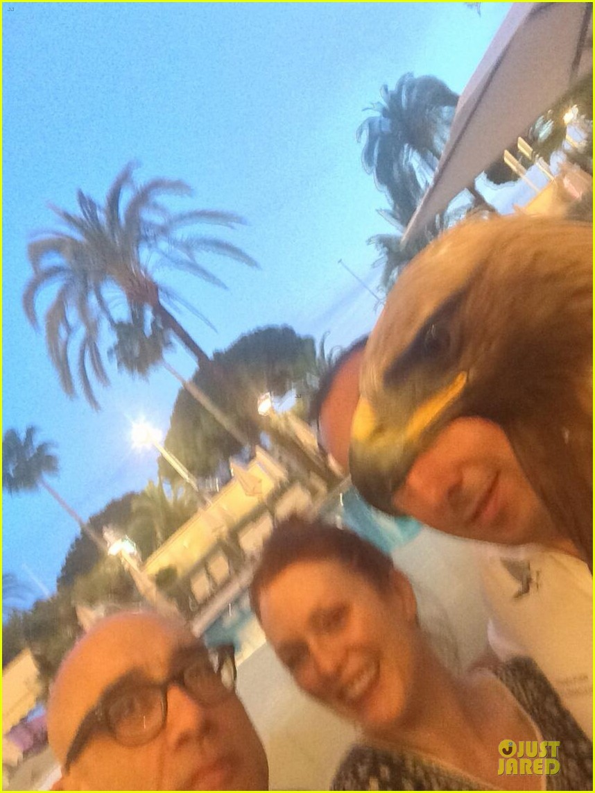 jennifer lawrence julianne moore mockingjay part 1 cannes party 05