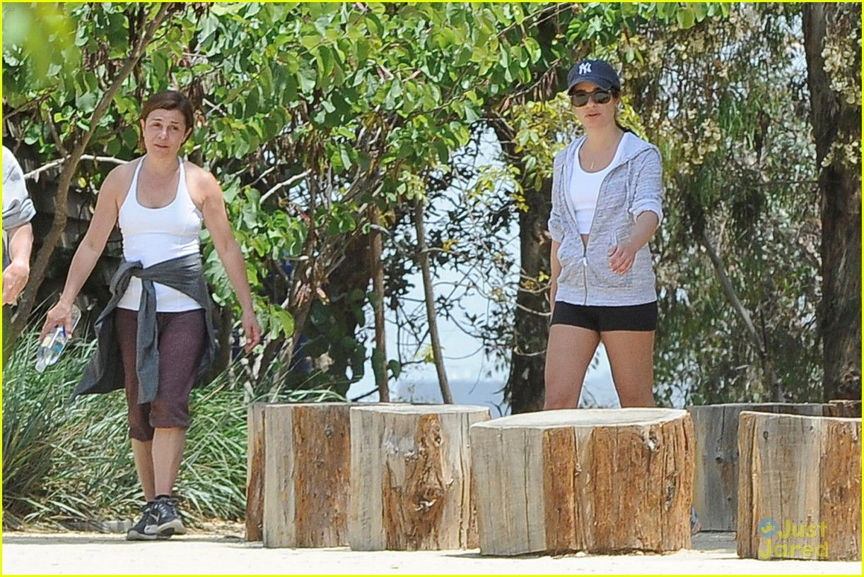 lea michele hike parents funny girl 09