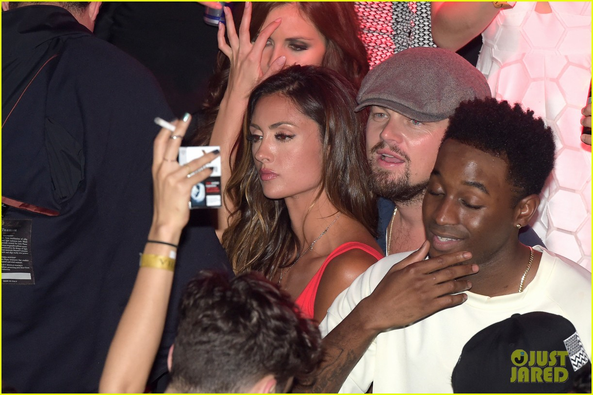leonardo dicaprio surrounded by ladies at cannes 013118136