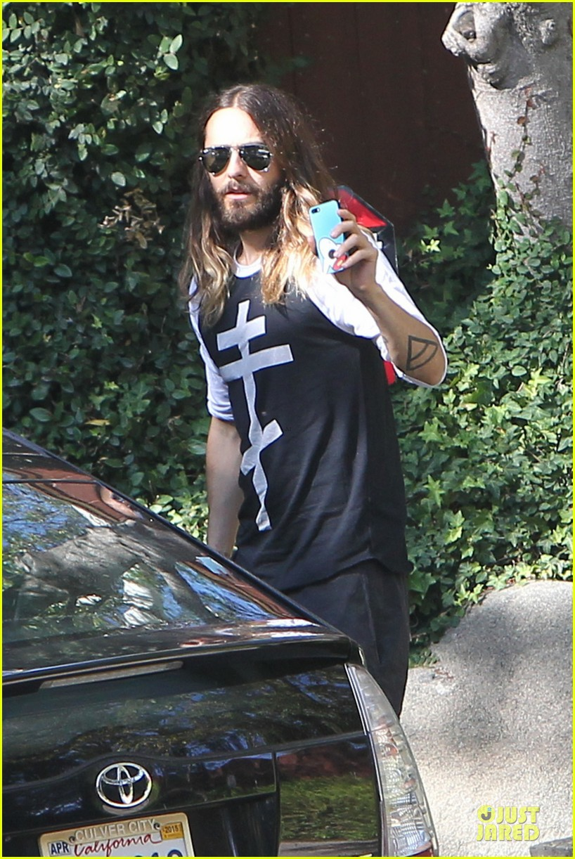 jared leto approval isnt necessary to be who we are 023123122