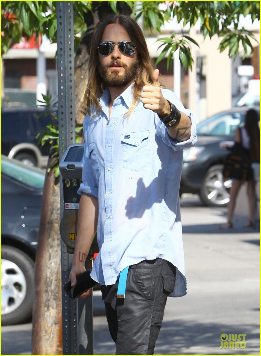 jared leto encourages followers to follow their dreams 043116953