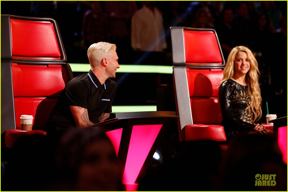 adam levine smile blond hair the voice 063106646