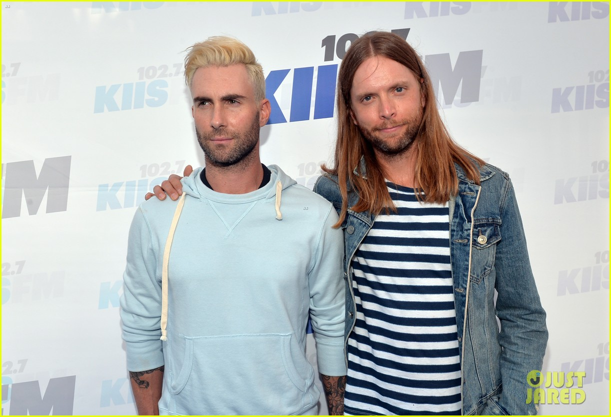 adam levine makes a funny face still is sexiest man alive 063110514
