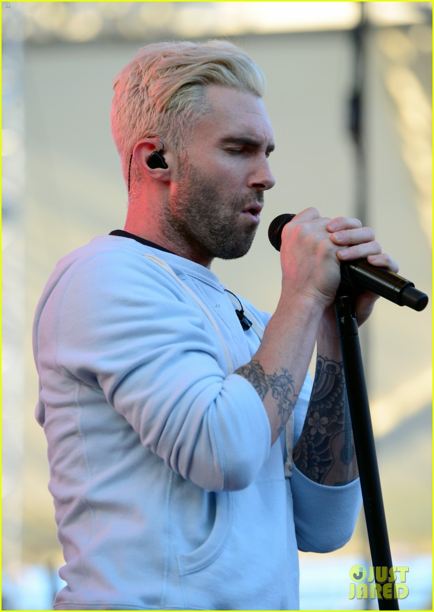 adam levine makes a funny face still is sexiest man alive 073110515