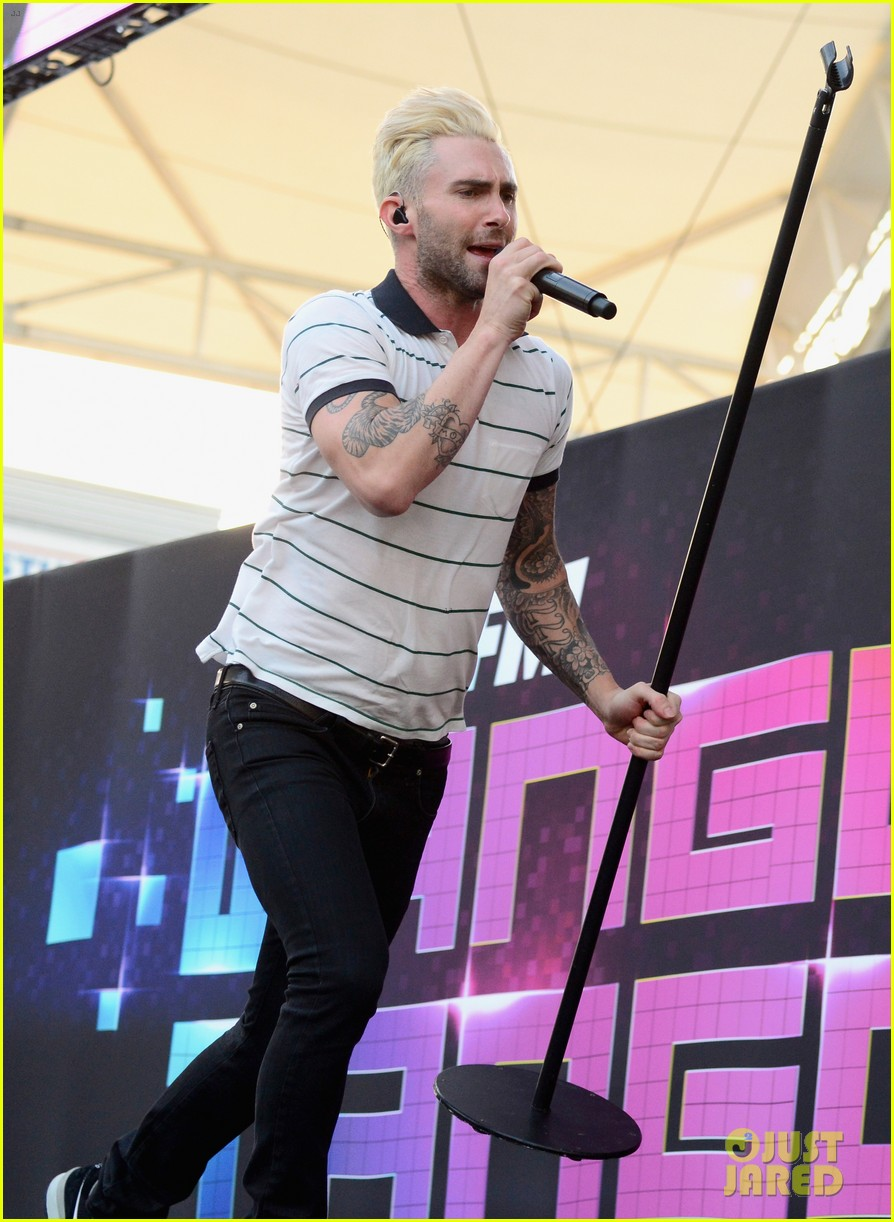 adam levine makes a funny face still is sexiest man alive 193110527