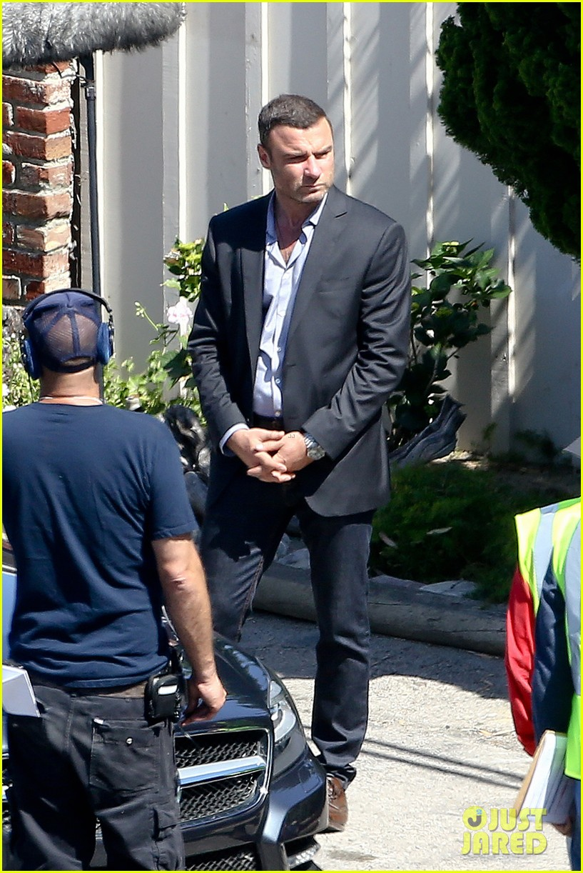 liev schreiber direct ray donovan episode next season 01