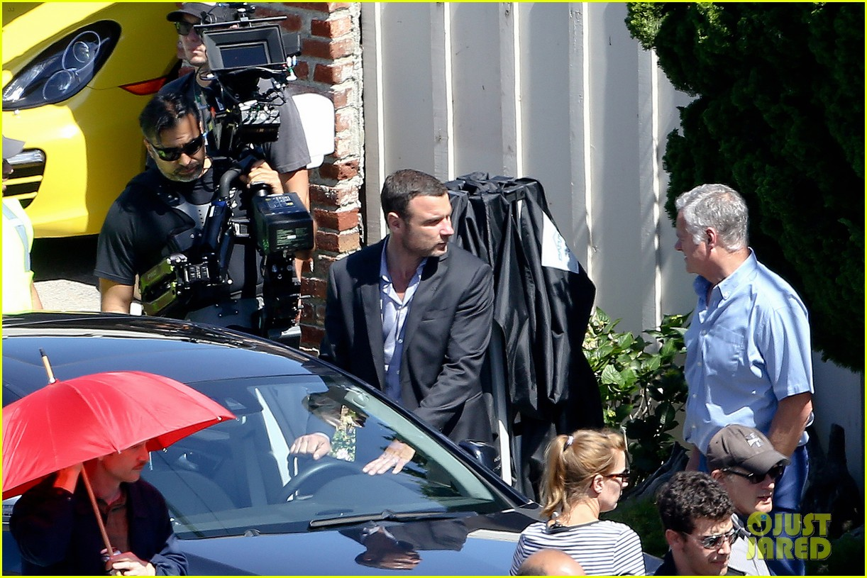 liev schreiber direct ray donovan episode next season 26