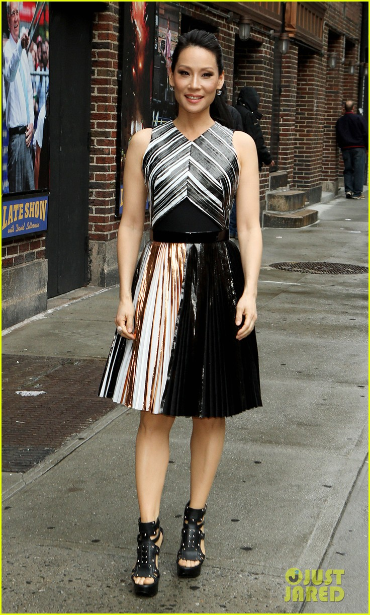 lucy liu directed tonights new episode of elementary 093102861