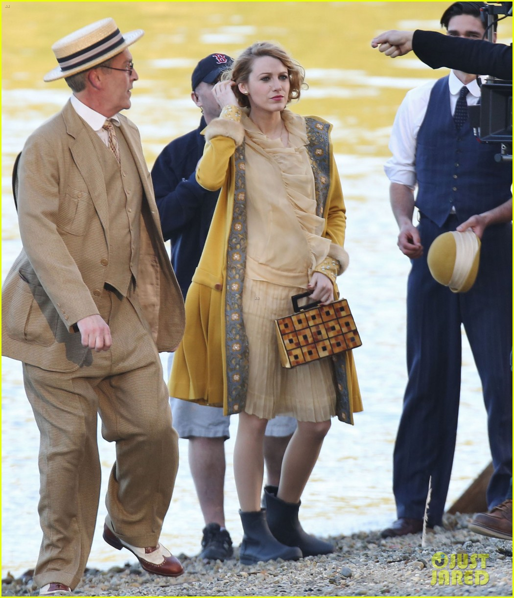 blake lively hits the beach in burnaby for age of adaline shoot 033102930