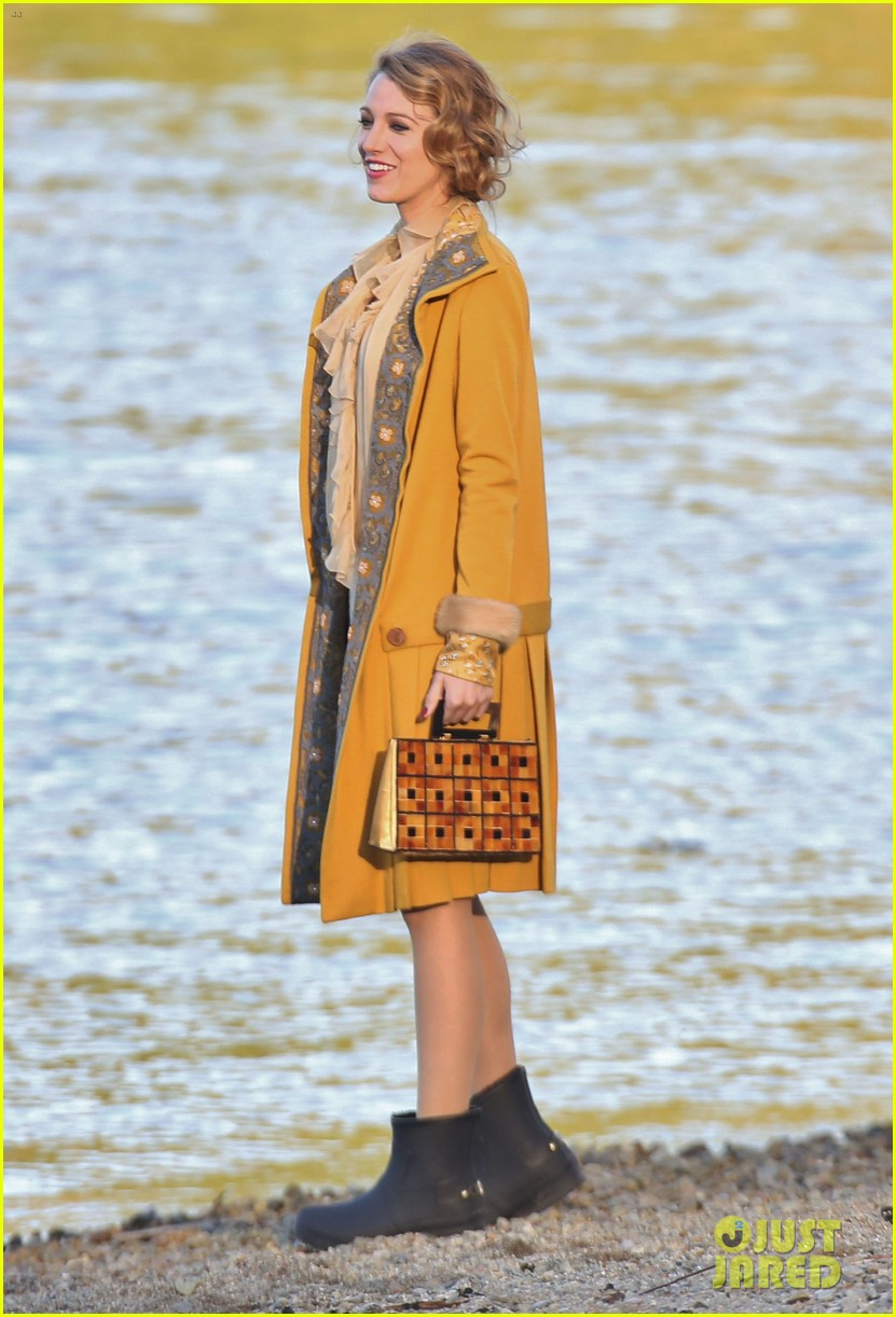 blake lively hits the beach in burnaby for age of adaline shoot 043102931