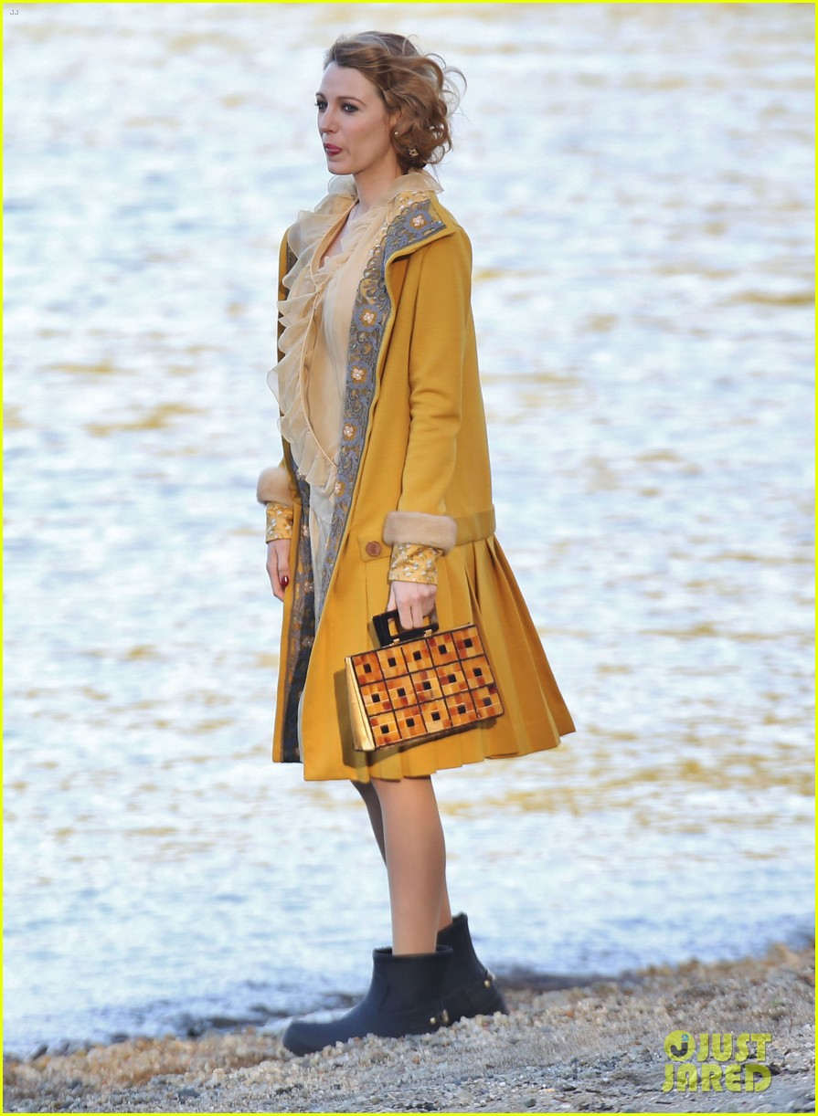 blake lively hits the beach in burnaby for age of adaline shoot 09