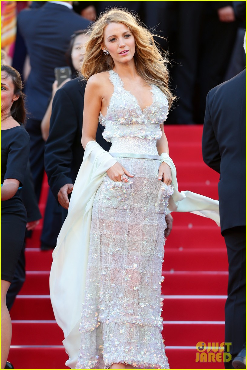 blake lively keeps her hands in her couture dress pockets 013114055