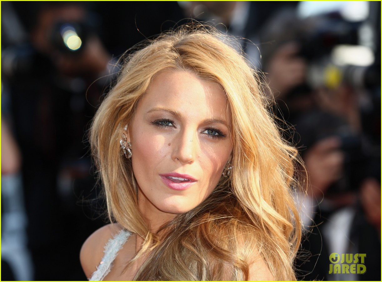 blake lively keeps her hands in her couture dress pockets 023114056