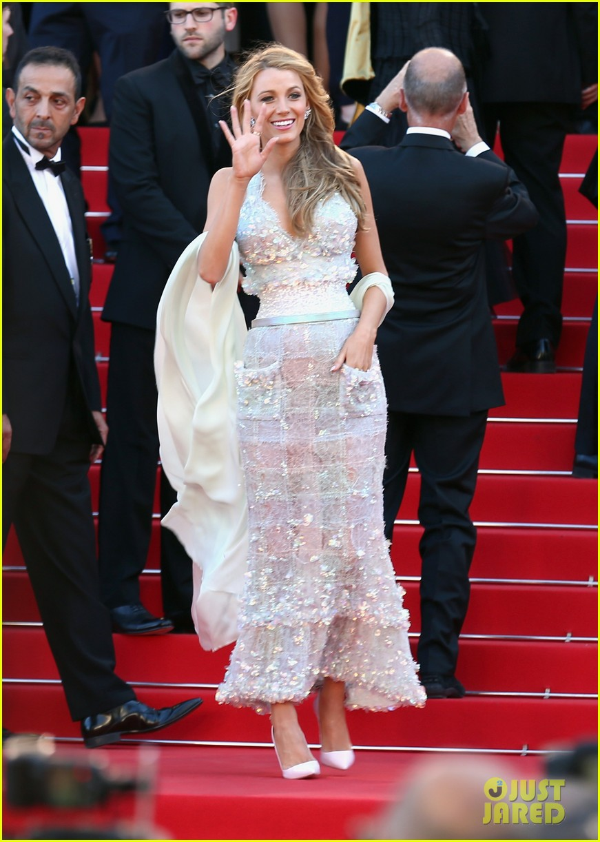 blake lively keeps her hands in her couture dress pockets 083114062