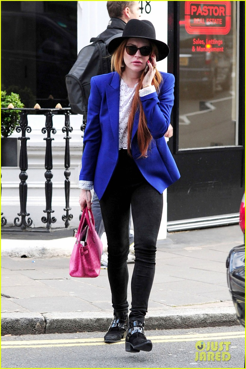 lindsay lohan feels blessed to have loving mom 073111269