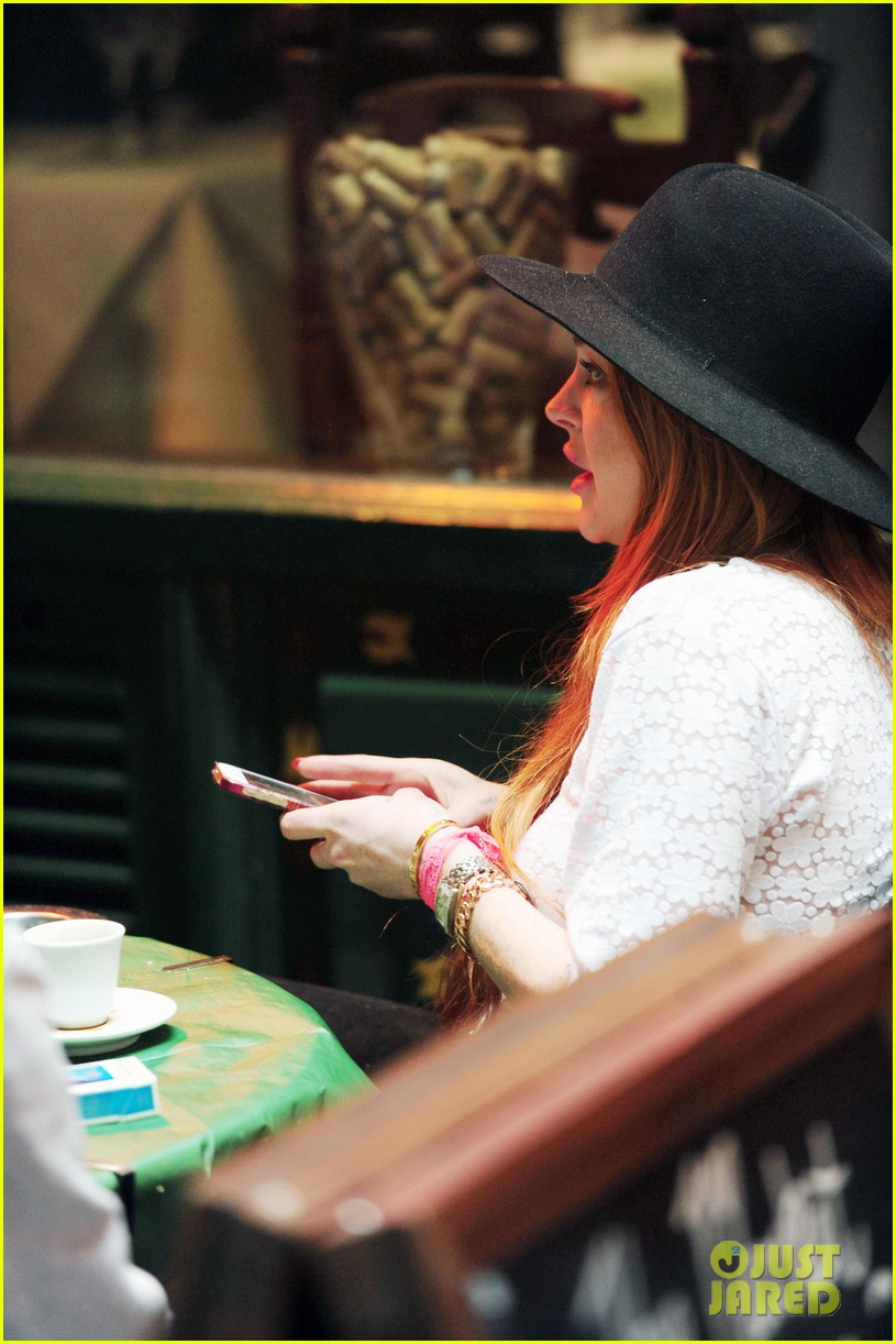 lindsay lohan feels blessed to have loving mom 113111273