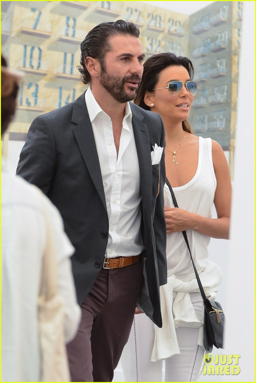 eva longoria boyfriend get cozy at fierze art festival 13