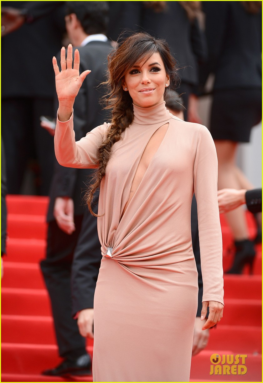 eva longoria riley keough foxcatcher cannes premiere 103117572