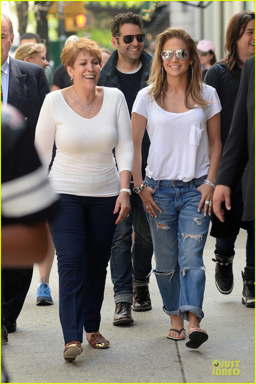 jennifer lopez mom guadalupe spend time after mothers day 033111928
