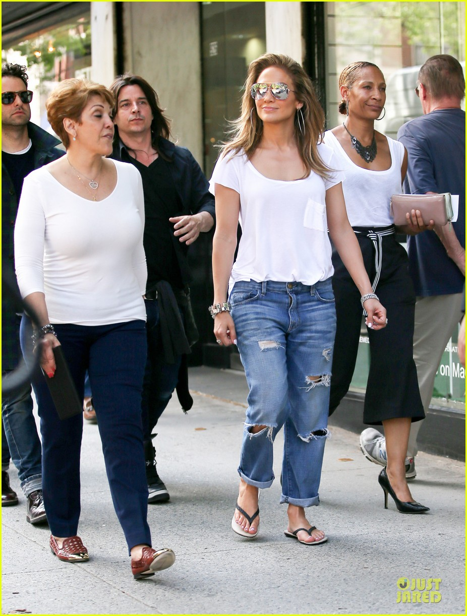 jennifer lopez mom guadalupe spend time after mothers day 08