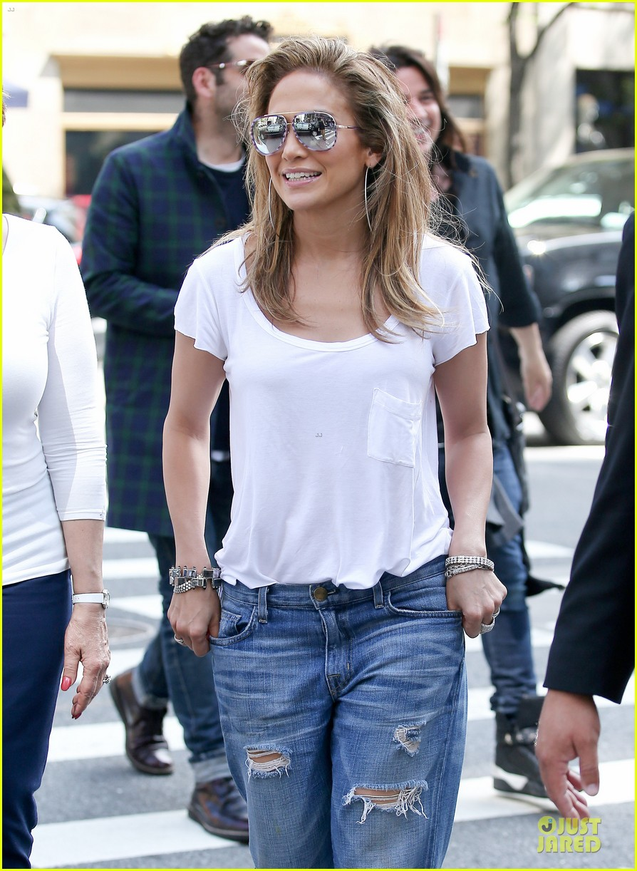 jennifer lopez mom guadalupe spend time after mothers day 093111934